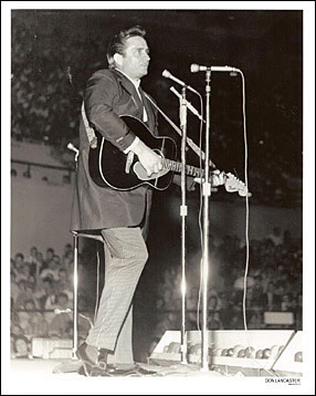 Johnny Cash at the Ryman Auditorium 8x10 Photo